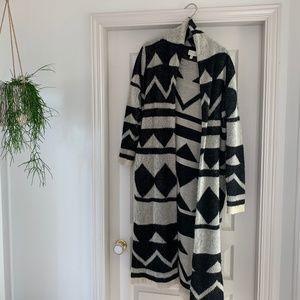 Boho Maxi Back/White Geo Print Sweater Coat (S/M)